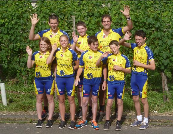 Das neu eingekleidete Team der RSplus Neumagen-Dhron